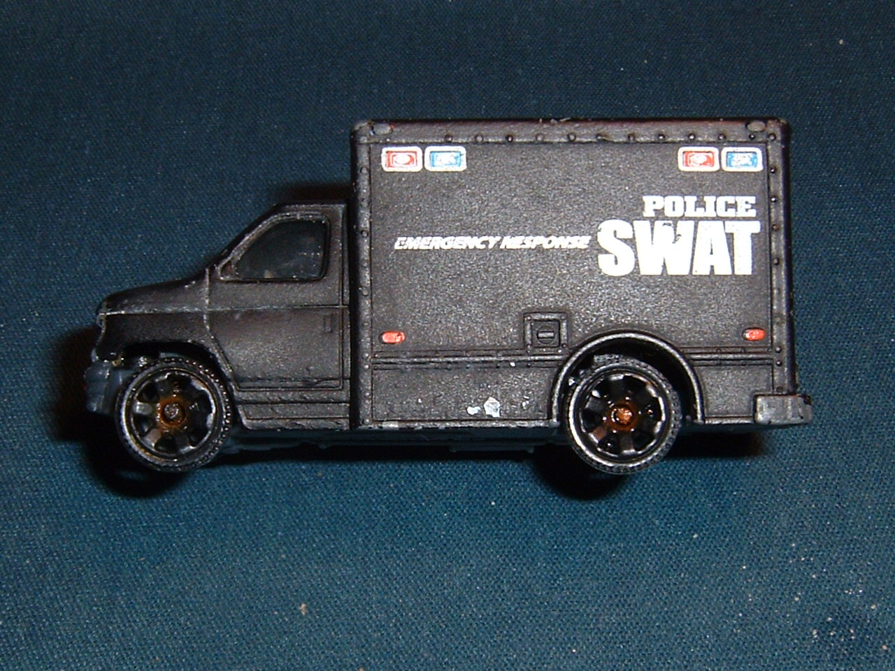 Toy Swat Trucks http://beachgold.net/bgmding/toys/